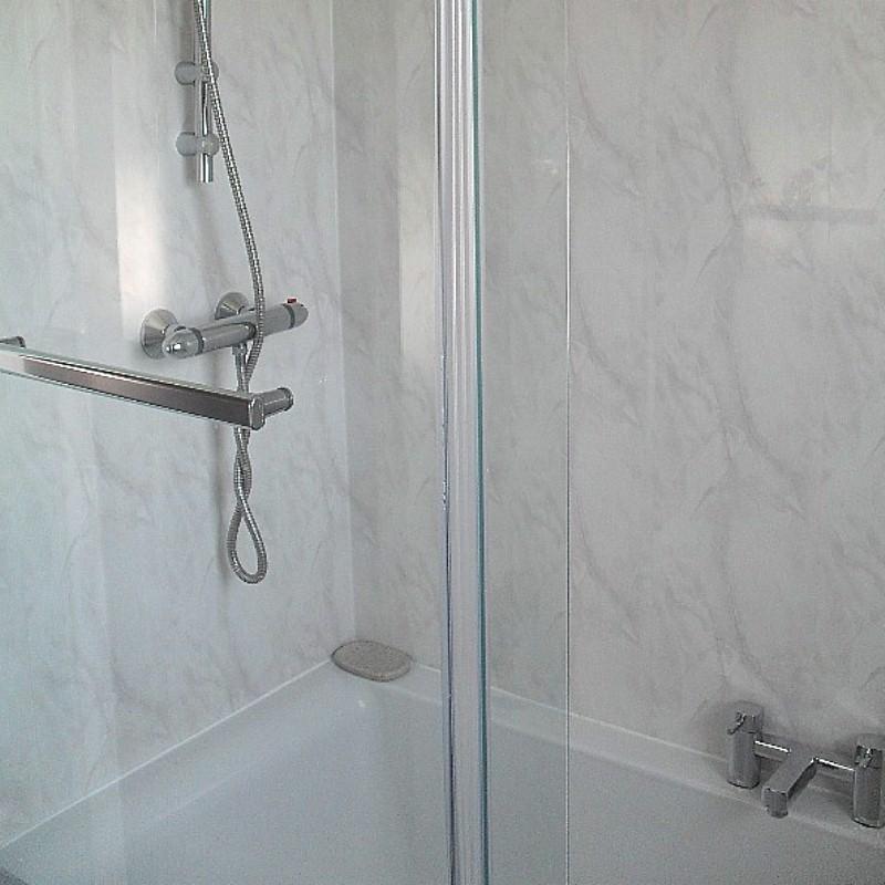 vicenza grey cladding3 - Vicenza - Grey Marble Bathroom Cladding 2.6m