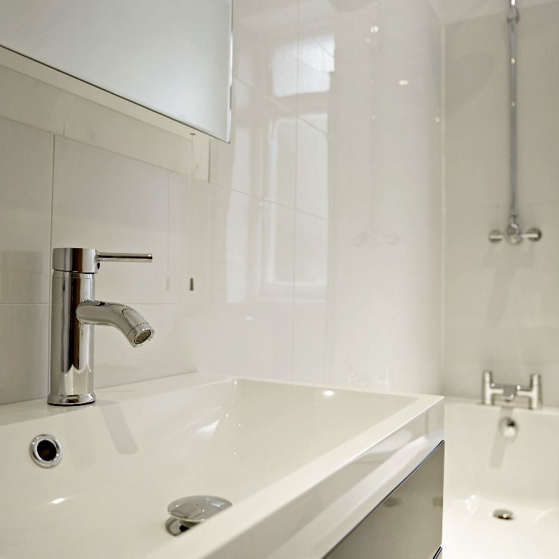 small bathroom wall panels - 5 Design Tips For Small Bathrooms